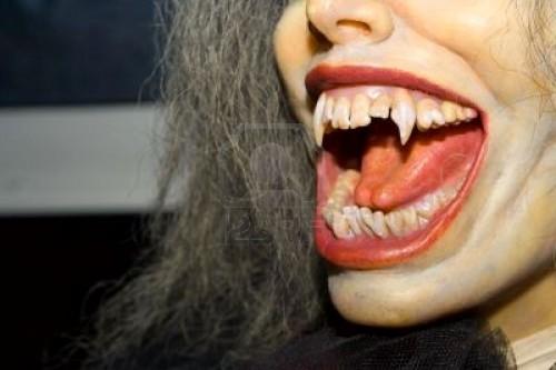 vampiro,leggende,miti,mitologia,poltergeist,suchiasangue,pipistrelli.
